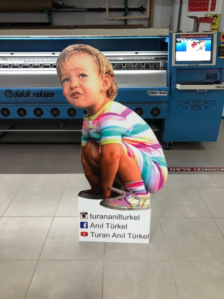 Cut Out Çocuk Squat