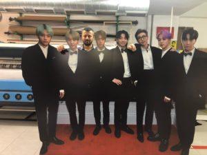 BTS Ayaklı Karton Adam