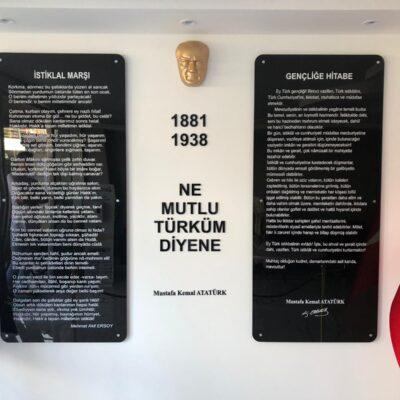 Pleksiglass Atatürk Köşesi