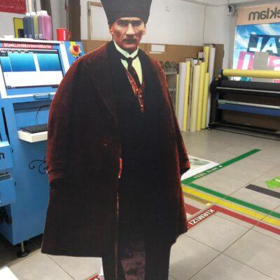 Atatürk Ayaklı Karton Adam